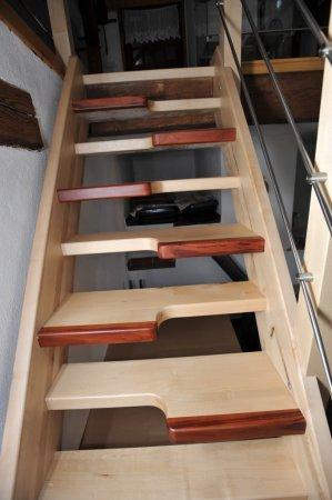 Mlynářská schody z masivu